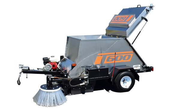 T 600 - Trailer-mounted mechanical sweeper