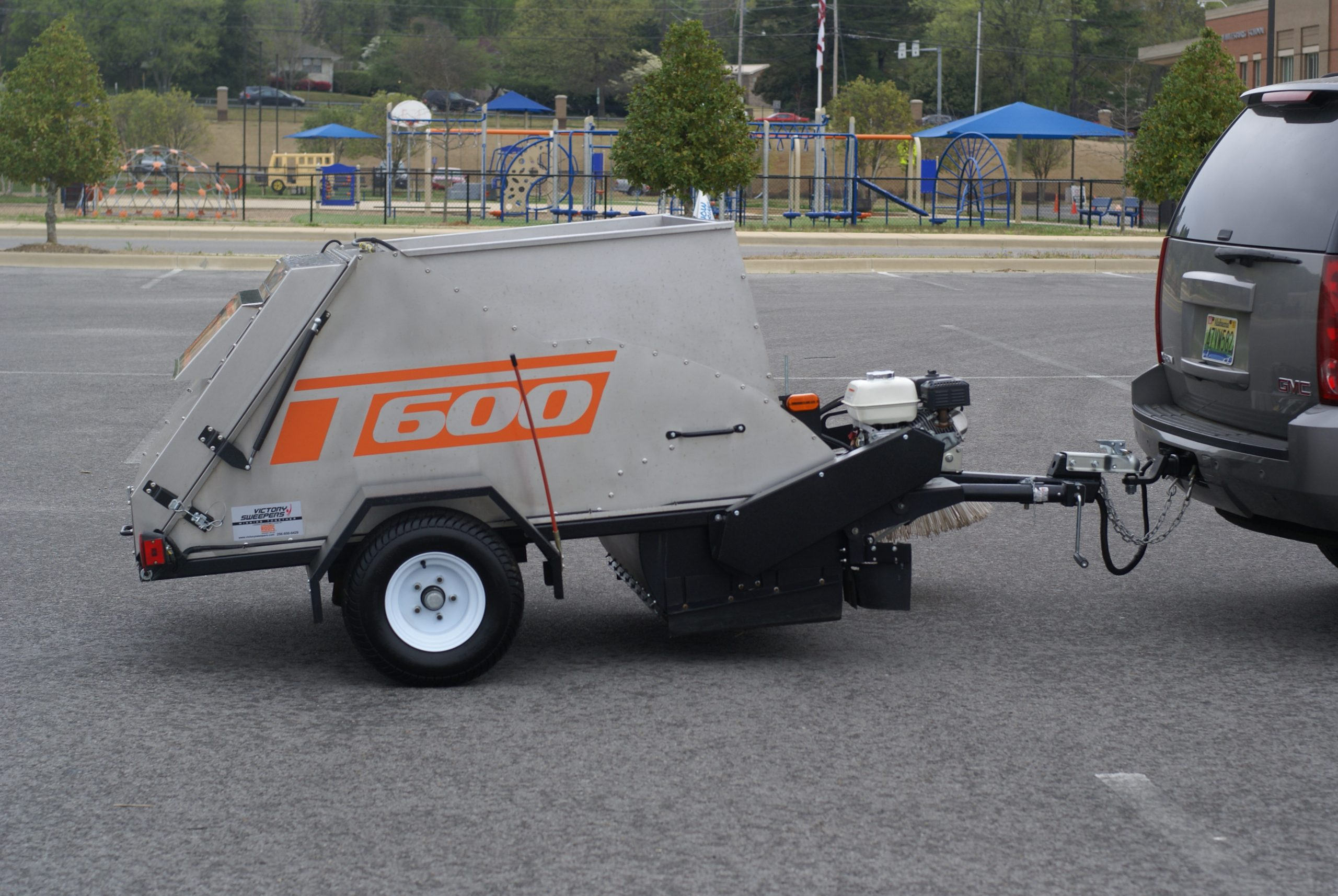 T600 Truck Mounted Parking Lot Sweepers