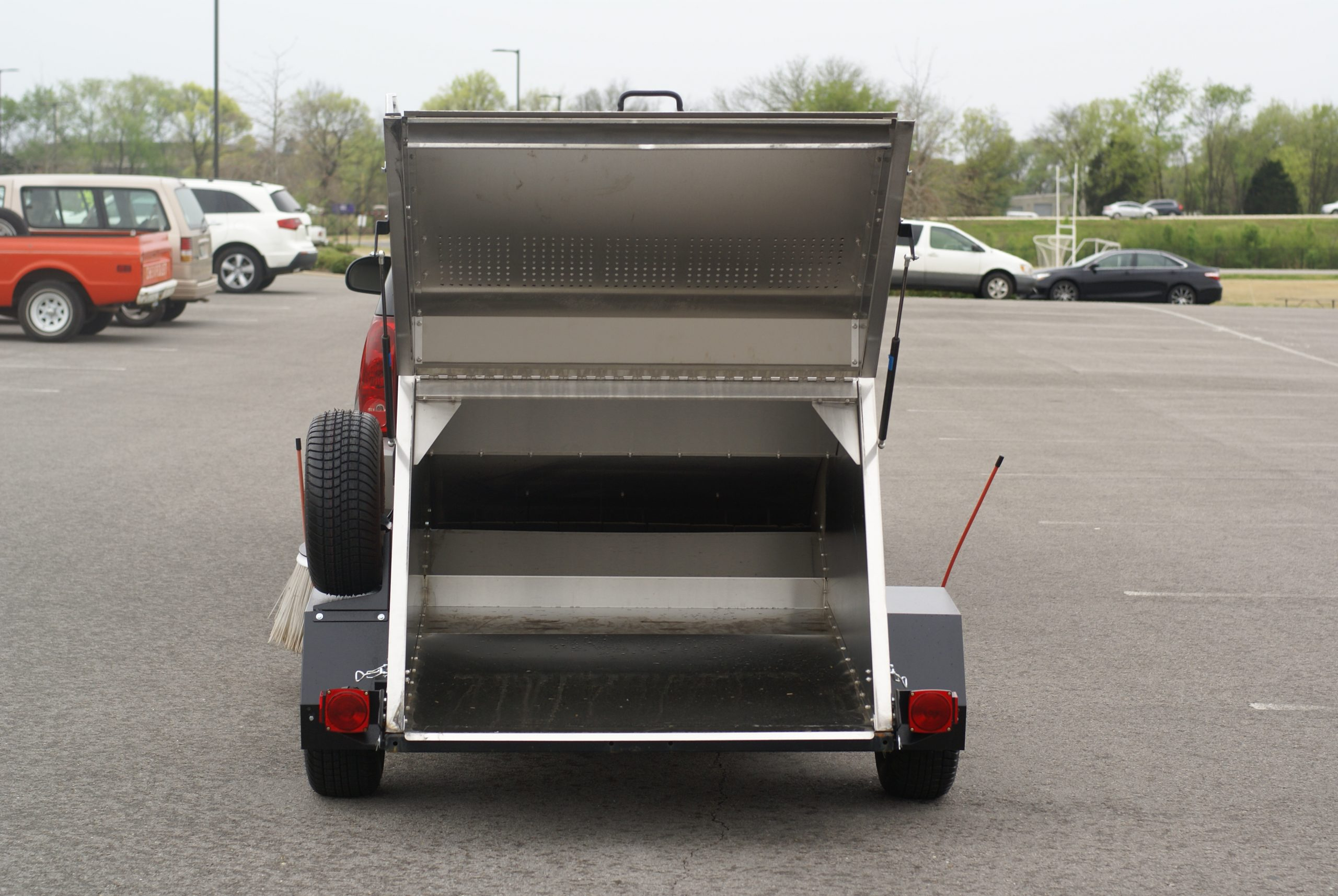 Truck Mounted Parking Lot Sweeper Manufacturer in USA